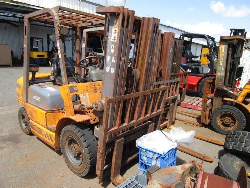 Vaax VF25D 4 Wheel Counterbalance Forklift