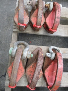 Qty 6 x Lifting Hooks