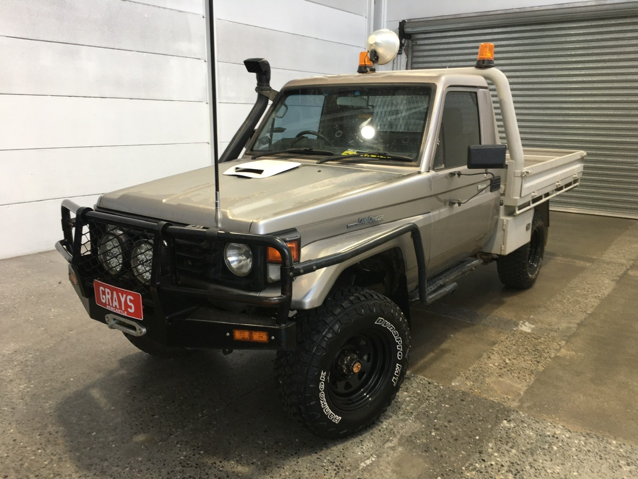 2000 Toyota Landcruiser (4x4) HZJ79R Manual Cab Chassis