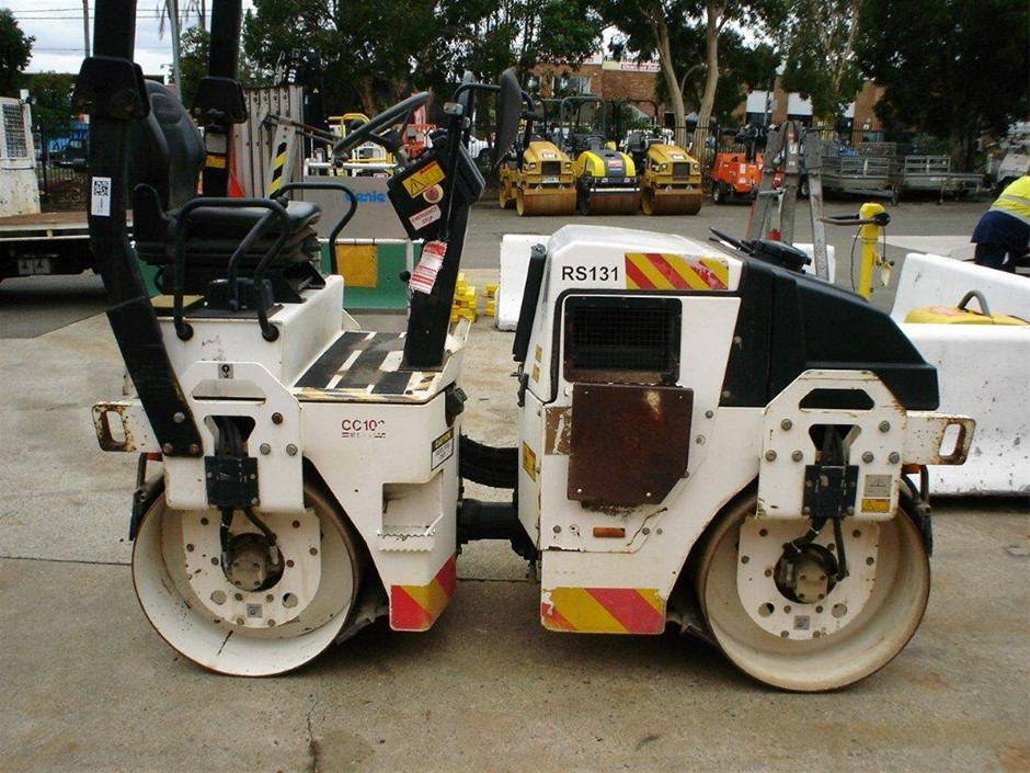 Double Drum Roller Smooth 2 - 3t - 2011 DYNAPAC CC102