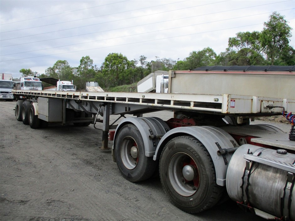1976 McGrath Triaxle Extendable Flat Top Trailer