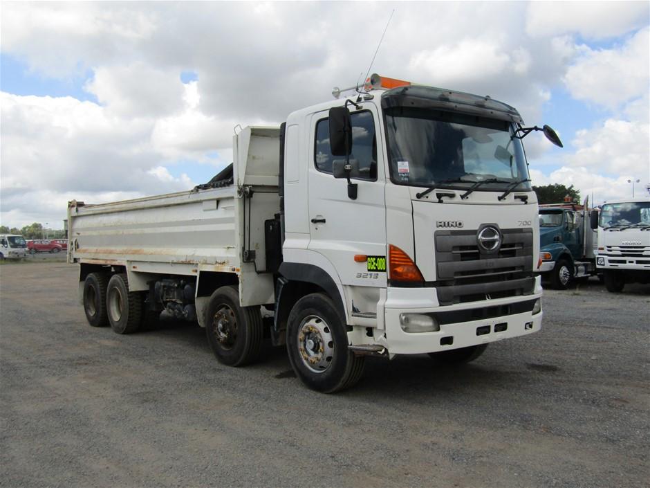 2006 Hino FY 8 x 4 Tipper Truck
