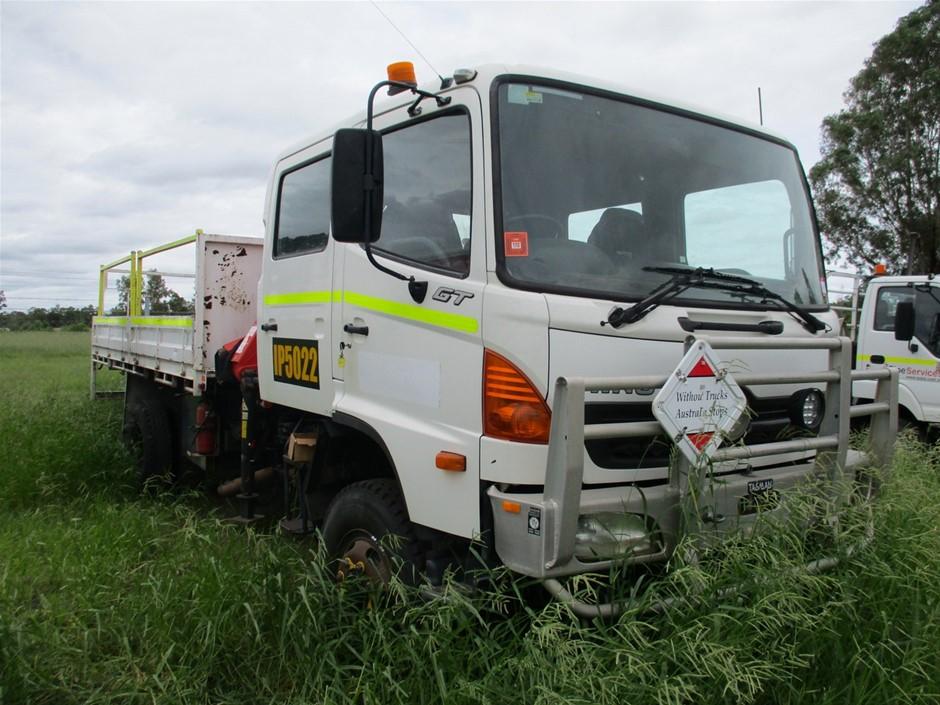 2006 Hino GT 10 Ser C/Cab Tray Body Truck
