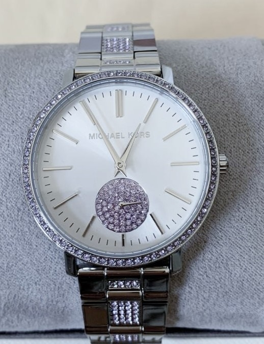 Ladies new Michael Kors couture NY 'Jaryn' luxury gemstone watch.