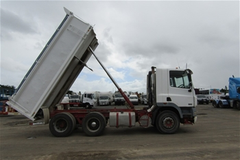 2004 DAF CF7585 6 x 4 Tipper Truck