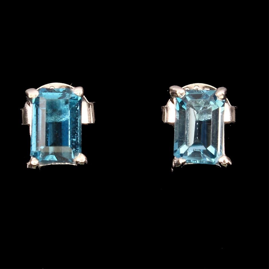 Gorgeous Genuine London Blue Topaz Stud Earrings