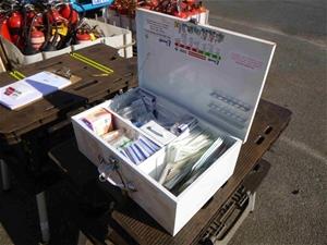 Uneedit First Aid Box