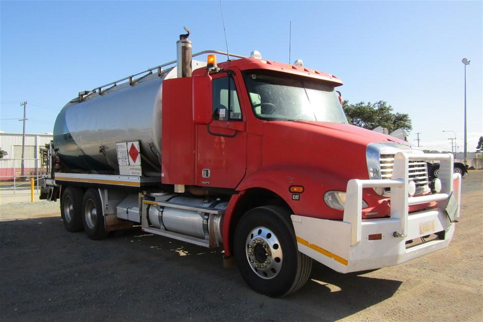 2007 Freightliner CL112 Fuel Truck