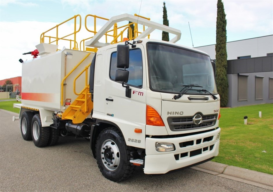 2012 Hino FM500 6 x 4 Water Truck Automatic