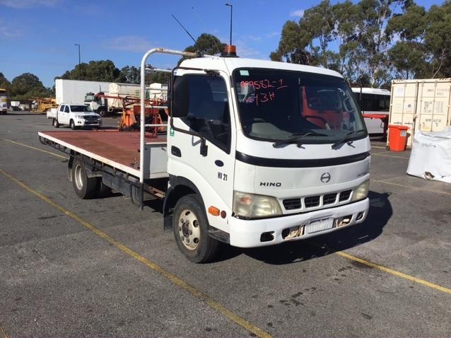 2005 Hino Durto Hi Grade Tray Body Truck