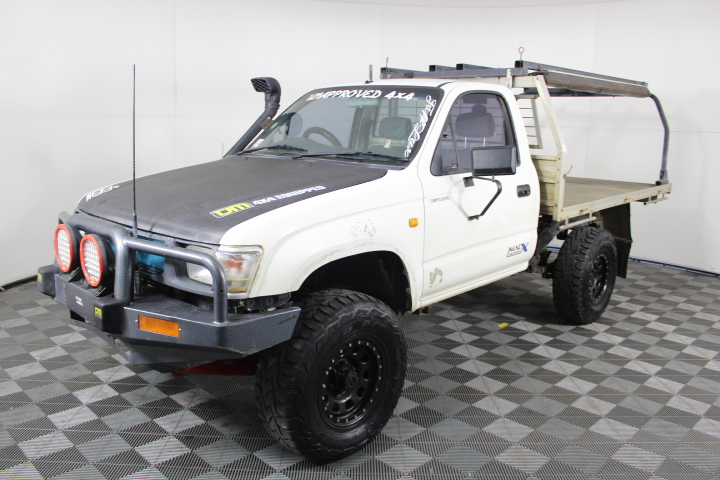 2000 Toyota Hilux 4WD Manual Cab Chassis