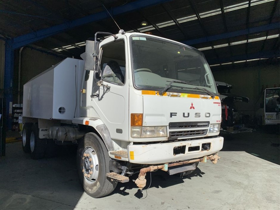 2006 Fuso Fighter FN600 Water Truck