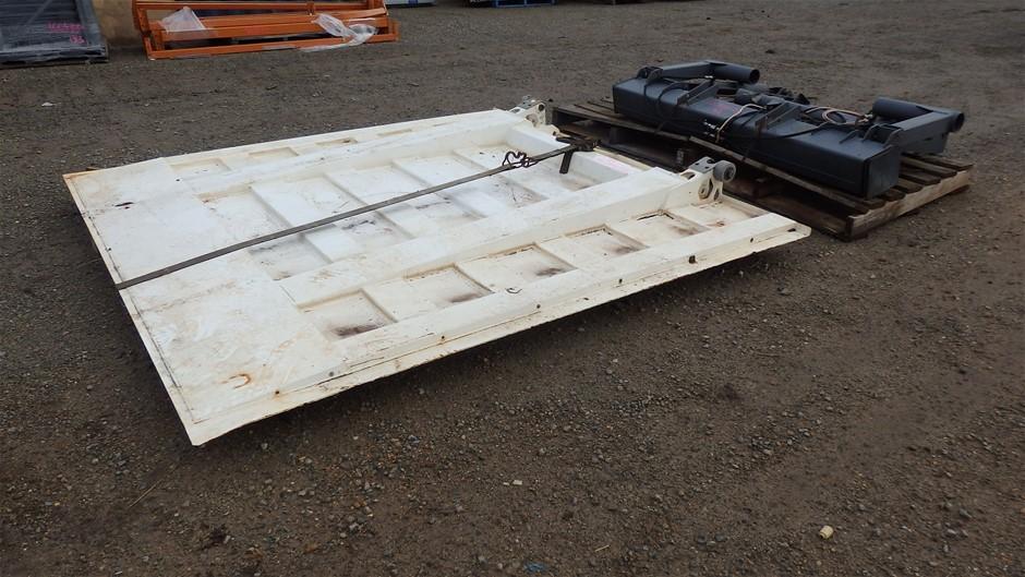2011 Hiab CN81907 2000kg Truck Tail Gate Lifter