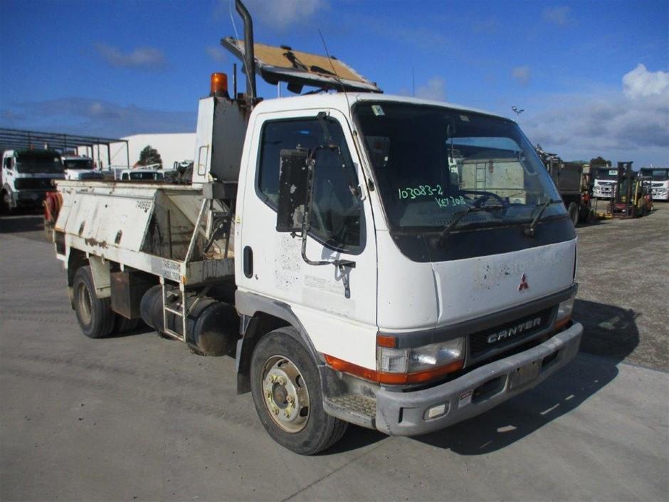 2000 Mitsubishi Canter 4 x 2 Asphalt Truck