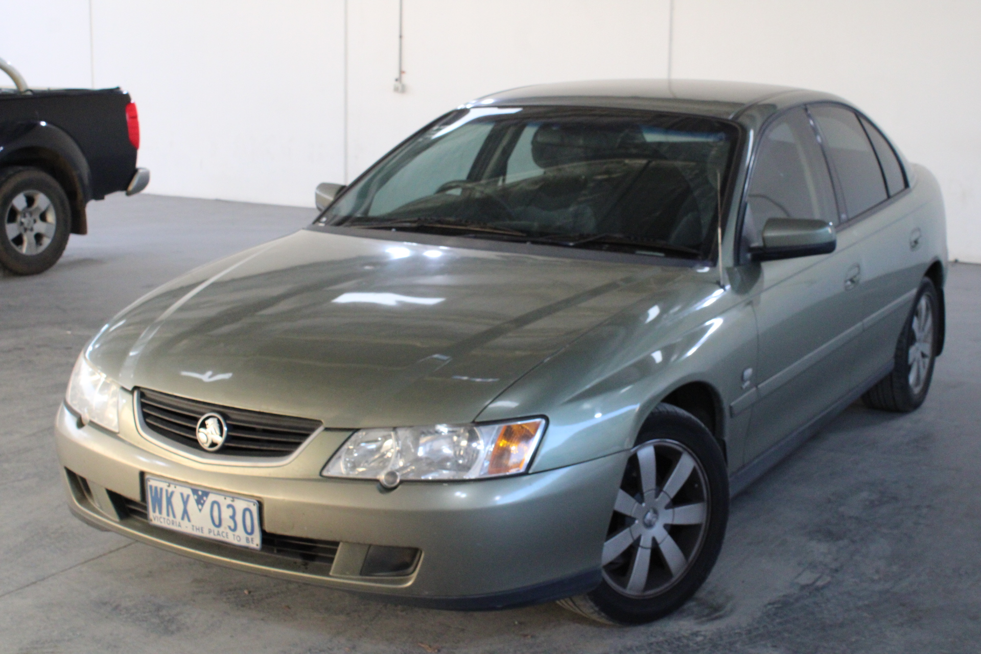 2004 Holden Commodore Equipe Series 2 Y Series Automatic Sedan
