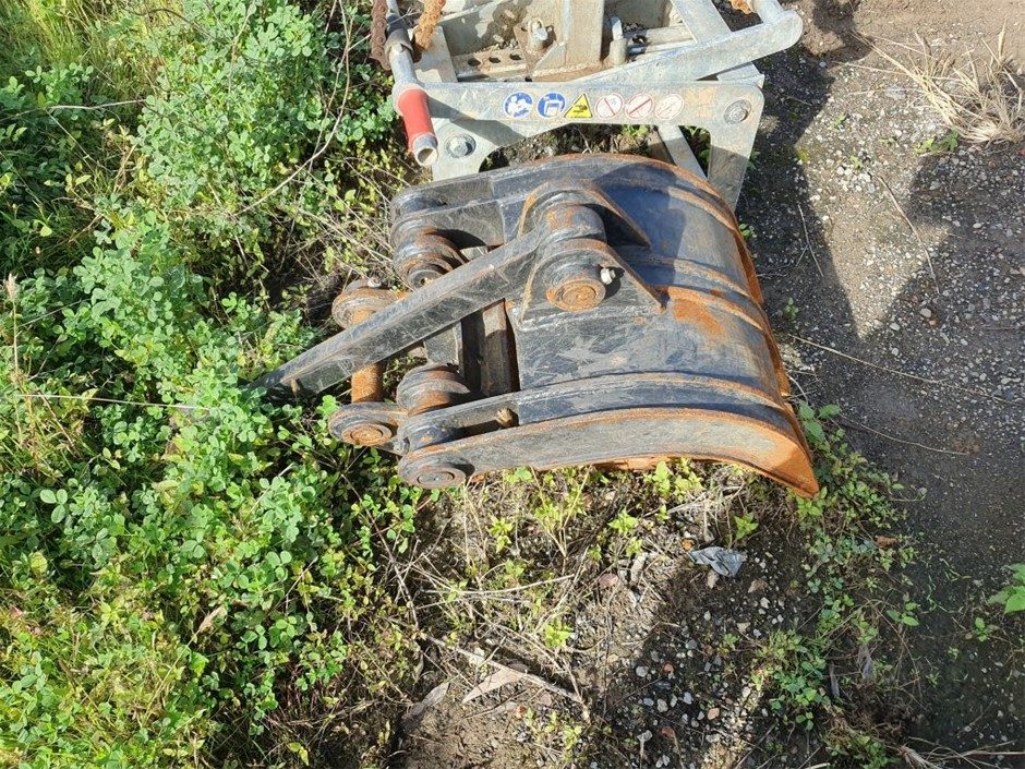 Manual Grab to Suit 5T Excavator