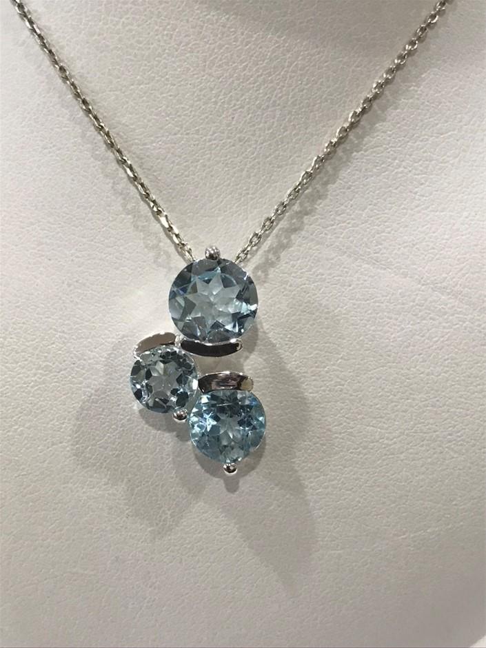 Classical 5.40ct Stunning Blue Topaz Pendant