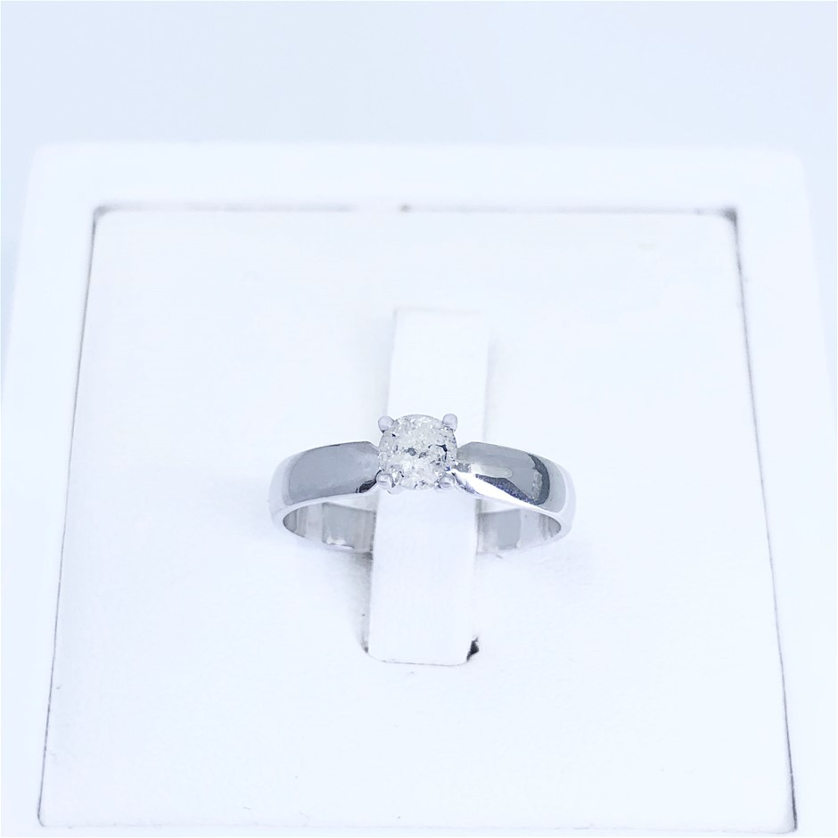 Lovely Diamond Ring