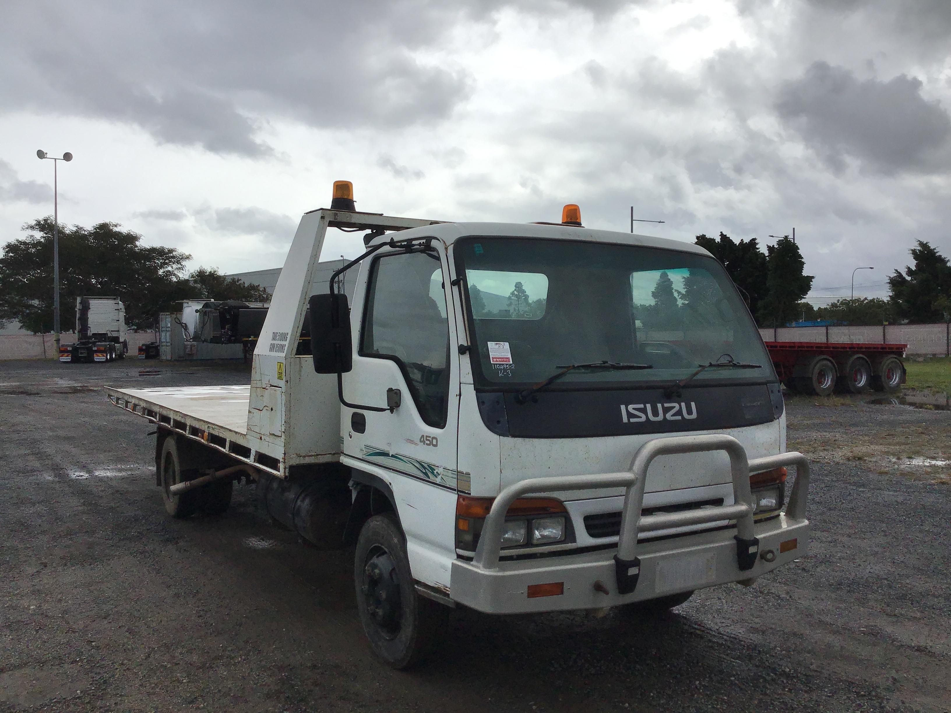 1998 Isuzu NQR 4 x 2 Tilt Tray Truck