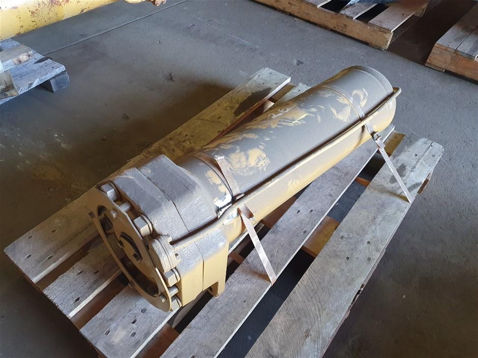 Caterpillar Cushion Hitch Accumulator to Suit 651B Scraper