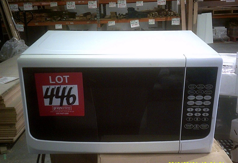 Homemaker Microwave Oven. Hardly Used