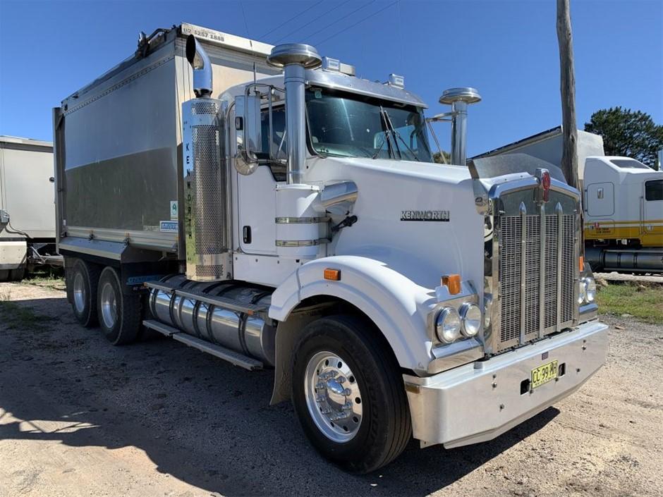 2011 Tipper Truck & Quad Dog Set
