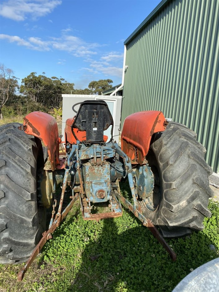 Tractor Engine said to be in good condition. Hydraulic need service (273