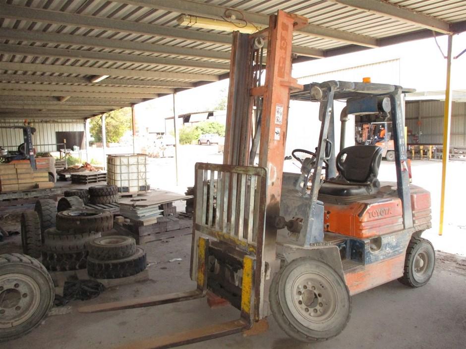Toyota 025FD25 4 Wheel Counterbalance Forklift