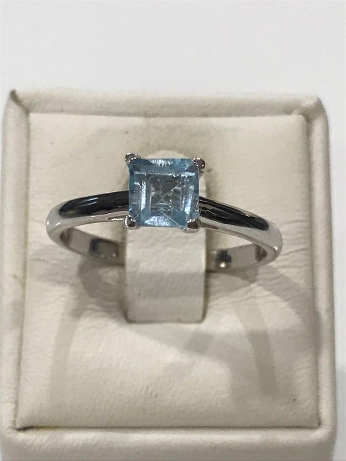 Brilliant 1.25ct Blue Topaz & 18K White/Gold Vermeil Ring. Size N (7)