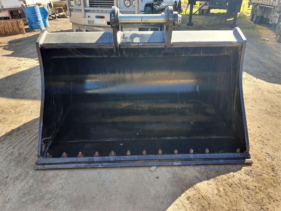 New Unused Impact 2000mm Mud Bucket