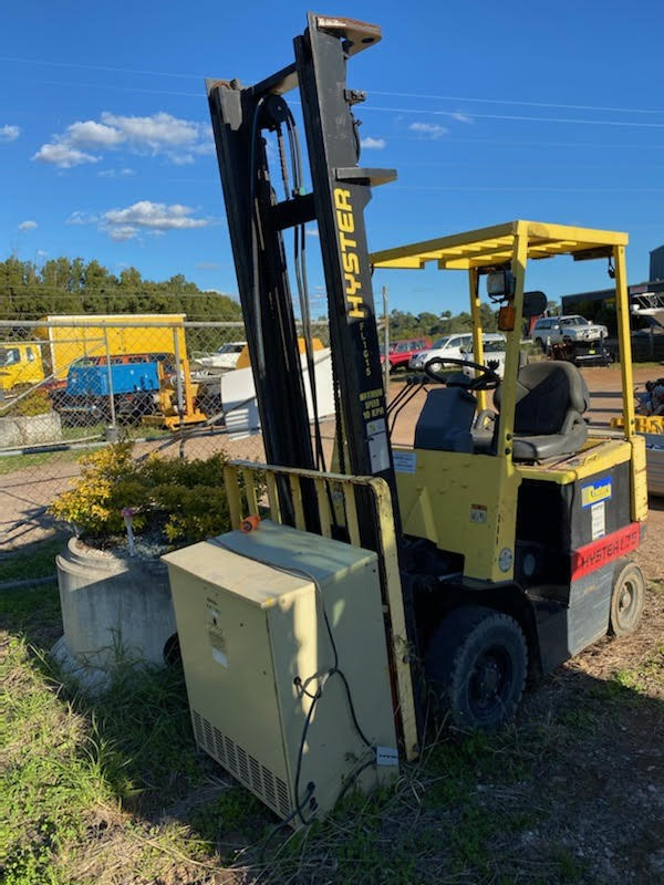 2000 Hyster 1.75 Electric Fork Lift