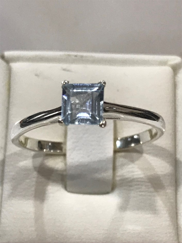 Magnificent Genuine 2.00ct Blue Topaz Ring Size P 1/2 or 8