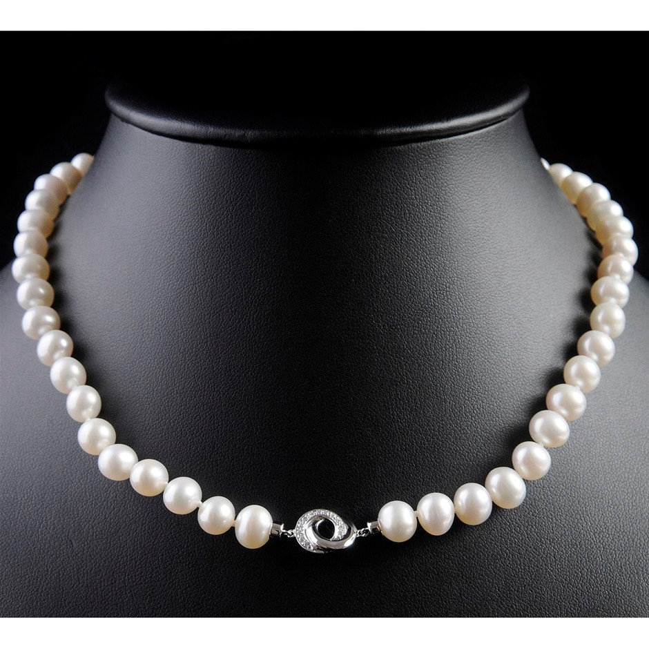 Freshwater pearl & diamond set necklace