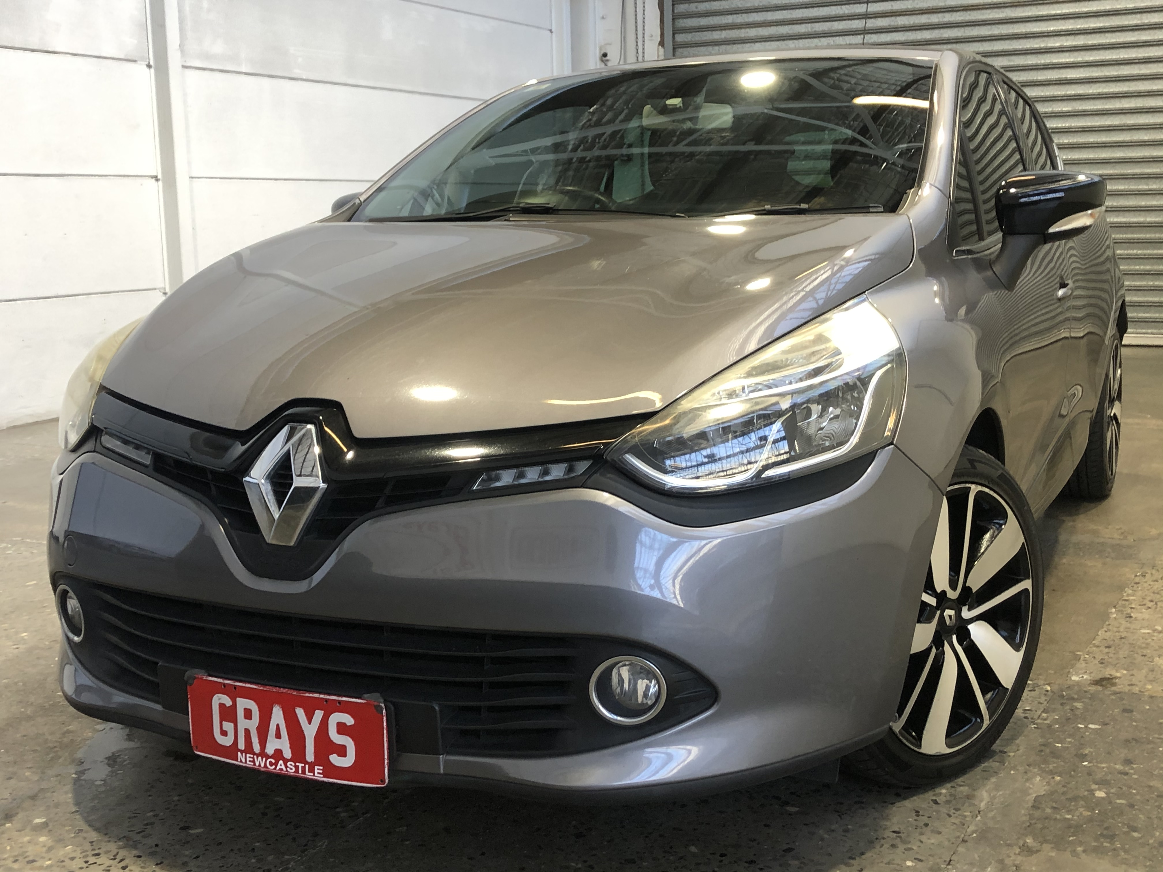 Renault Clio Dynamique automatic Hatchback