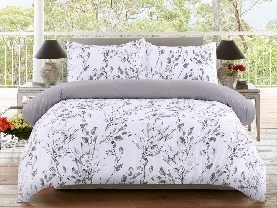 Dreamaker Printed Microfibre Quilt Cover Set Queen Bed Meadow