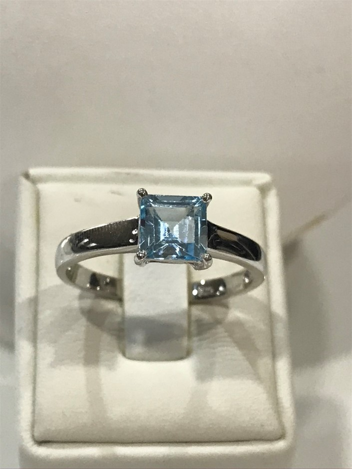 Brilliant 1.25ct Blue Topaz & 18K White/Gold Vermeil Ring. Size R