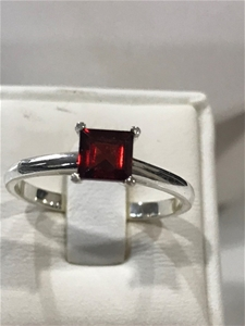Magnificent Genuine 2.00ct Garnet Ring S