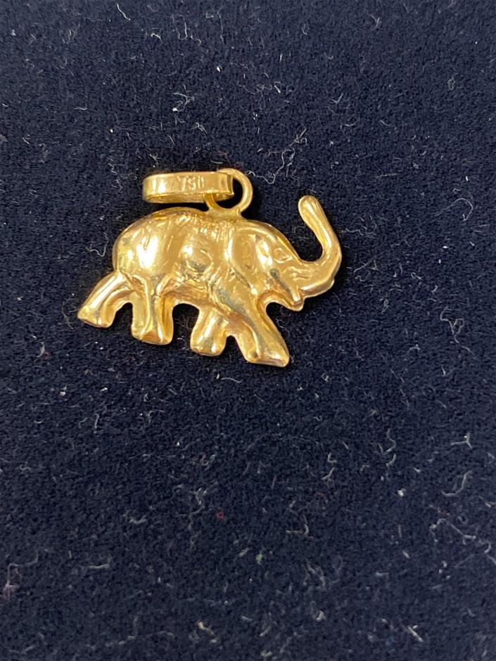 Gold Elephant Pendant 18 Karat Yellow Gold Total Weig