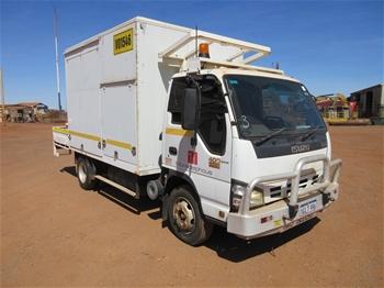 2007 Isuzu NPR400 4Y Single Cab Truck