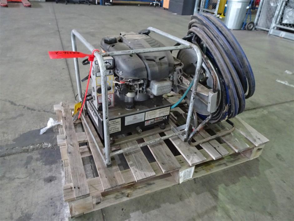 2005 Lukas 841507850 Hydraulic Pump and Hose Reel