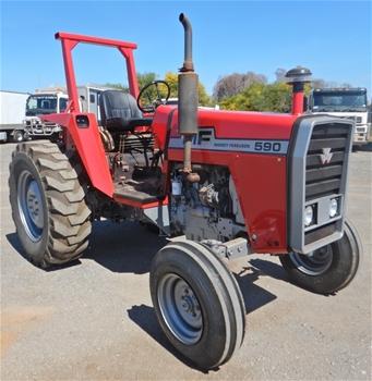 Massey Ferguson 590 4x4 Tractor