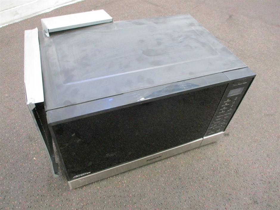 Panasonic NN-ST665B Microwave Oven