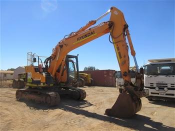 Hyundai 235 LCR-9 Excavator