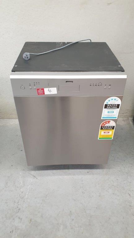 SMEG Dishwasher - Under Bench