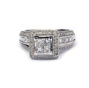 Magnificent 10ct White Gold Diamond Enga