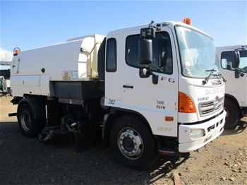 2010 Hino 1527 FG1J SER 2C/CAB 4 x 2 Sweeper Truck