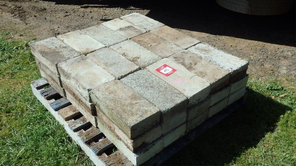 Approx. 250 Concrete Paver Block