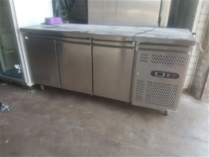 Bromic 3 Solid Door Underbar Fridge