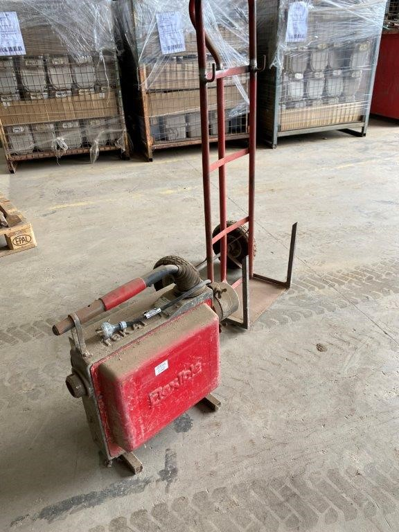 Flexible' Cable Drive Sewer Cleaning Machine
