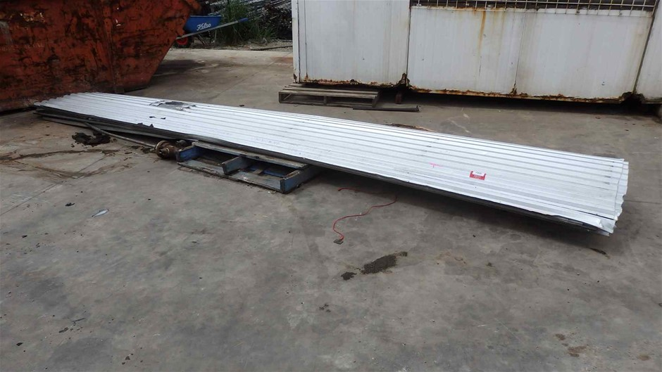 9 x Sheets of Galvanised Factory Roof Sheets